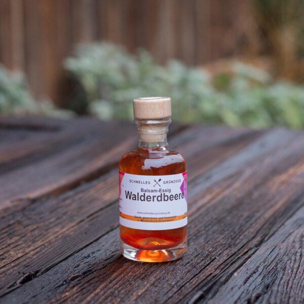 Walderdbeer-Balsam-Essig 1